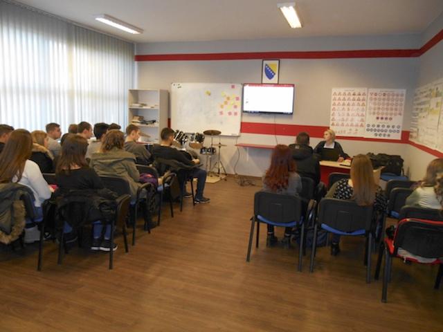 U JU Tehnička škola Brčko distrikt održana radionica o važnosti dijaloga i tolerancije i   metodologiji izrade projektnih prijedloga